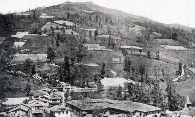 Villoria, Laviana Principado de Asturias. Vista Parcial tomada a finales del siglo XIX.