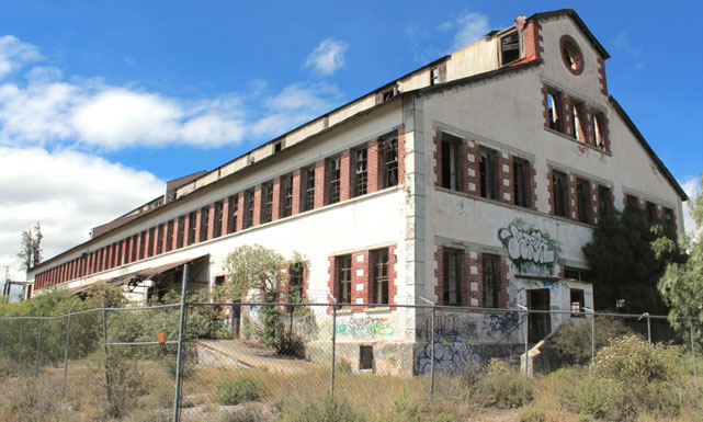 Los Talleres de la Siderúrgica Maestranza. Fundados por la Compañía Metalúrgica de Atotonilco el Chico por Vicente Ygnacio Yslas desde 1840, hoy son propiedad de la Compañía de Real del Monte y Pachuca.